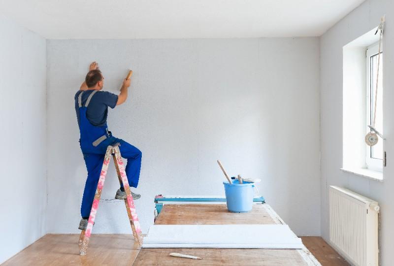 Pose de peinture intérieure